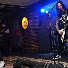 """Acid Drinkers i Alpha Dog, czyli metalowy koncert w klubie """"u Bulka""""…"""