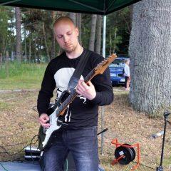 Army Rockers poszukuje gitarzystów